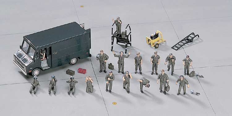 X72-7 PILOTES PERSONNAGES 1/72