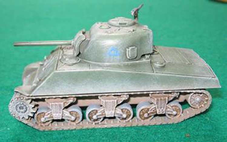 SHERMAN M4 A3 75 MM (2p) 1/72
