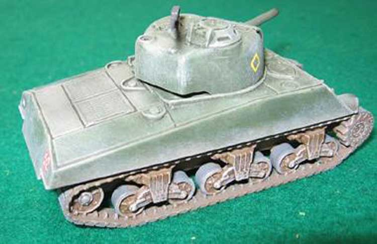 SHERMAN M4 A3 105 mm (2p) 1/72